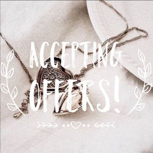 🌟Accepting All Reasonable Offers🌟